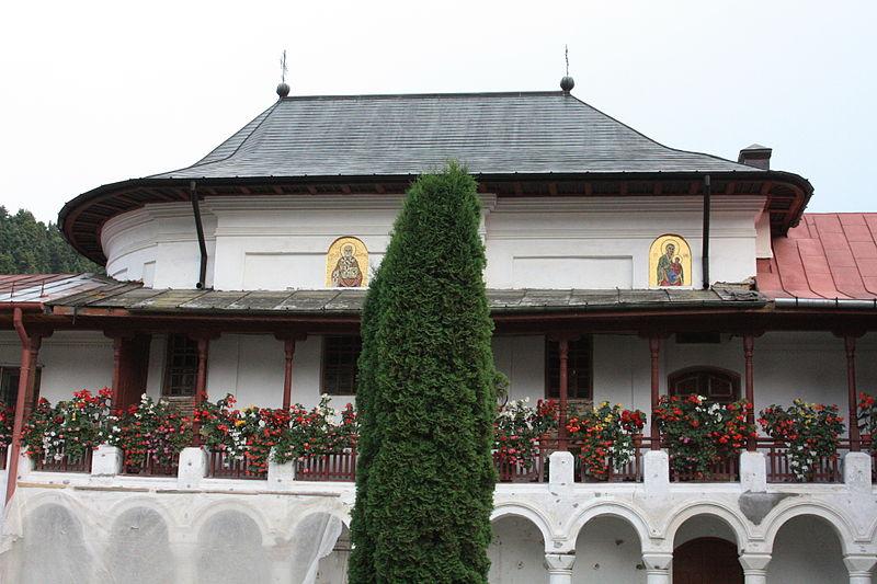 File:110825 Neamt monastère Agapia (4).jpg