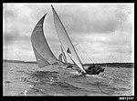 18-footers racing on Sydney Harbour (7188132627).jpg