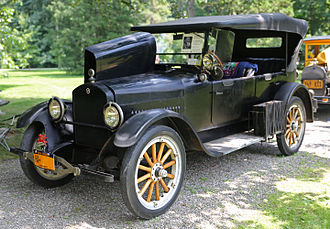 1922 Studebaker Light Six Touring Car 1922 Studebaker Light Six Touring Car, Poughkeepsie (front left).jpg