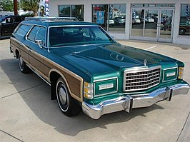 Ford Country Squire uit 1978