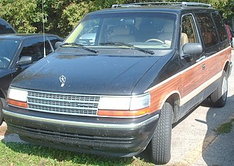 Chrysler minivan (AS) - Image: 1991 Plymouth Voyager