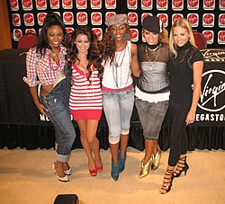 Danity Kane während einer Autogrammstunde auf der Magnificent Mil in Chicago, Illinois am 9. September 2006