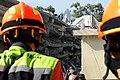 2010년 중앙119구조단 아이티 지진 국제출동100118 중앙은행 수색재개 및 기숙사 수색활동 (145).jpg