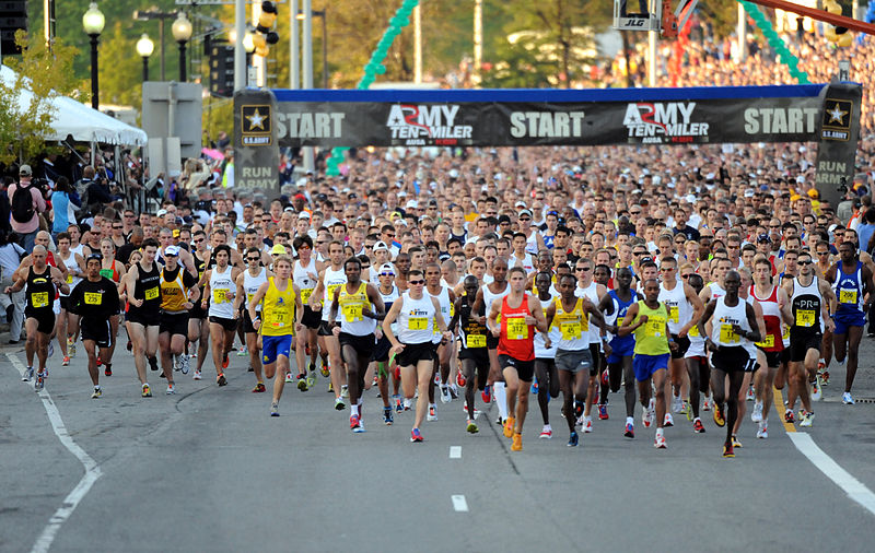 File:2010 Army Ten Miler Start.jpg