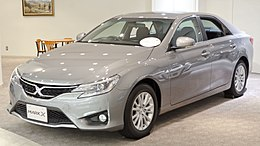 2012 Toyota Mark-X 01.jpg