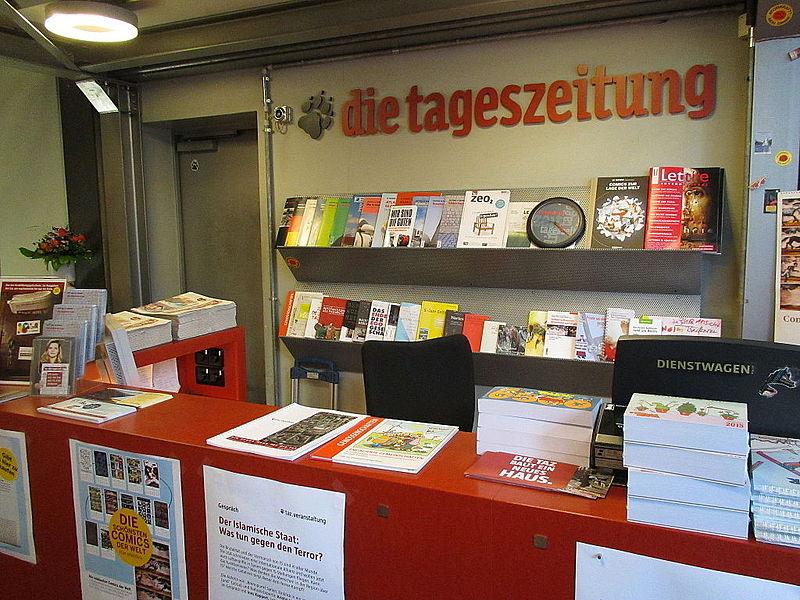 File:20140925 xl taz--Die-Tageszeitung-Shop-Rudi-Berlin-Dutschke-Strasse-25-9384.JPG