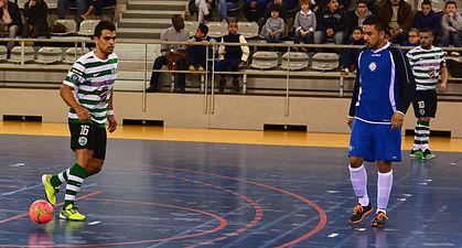 2015-02-28 16-12-44 futsal.jpg