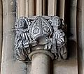 2016-Maastricht, St-Servaasbasiliek, oostelijke kruisgang, kapiteel engelen met relieken 1.jpg