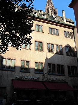 Immeuble au 8 rue du foss des tailleurs strasbourg for Rue du miroir strasbourg