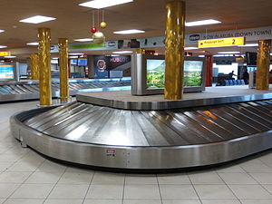Queen Beatrix International Airport - The baggage claim area