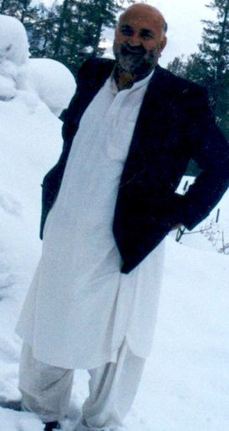 Abdul Haq (Afghan leader) - Abdul Haq standing in snow