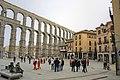 Acueducto romano en Segovia, Plaza del Azoguejo - panoramio.jpg