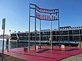 Aidsmonument-amsterdam01.jpg