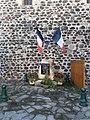 Alba-la-Romaine - Monument aux morts.jpg