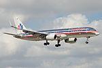American Airlines Boeing 757-200 N680AN (15802160534).jpg