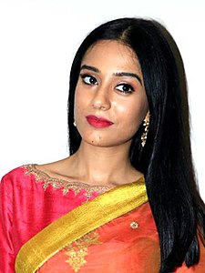 Amrita Rao during Thackeray interviews at Sun N Sand in Juhu (06) (cropped).jpg