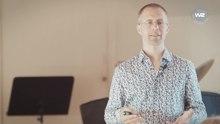 Andreas Siemoneit (Geschäftsführer des Fördervereins Wachstumswende) stellt bei der Ringvorlesung zur Postwachstumsökonomie in Oldenburg marktwirtschaftliche Auswege aus einem Wachstumszwang vor[63]
