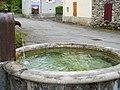 Antichan-de-Frontignes fontaine 5.jpg