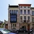 Antwerpen, Generaal Van Merlenstraat 26 (links) & 24 (rechts) Werk van Ernest Stordiau.jpg