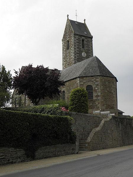 Église Saint-Pierre d'Argouges (50). Chevet et flanc sud.