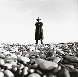 Arman gefotografeerd door Lothar Wolleh