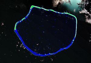 Arutua - Image: Arutua Atoll FP Landsat S 06 15 2000 (1 170,000)