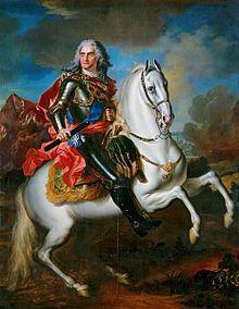 König August II. zu Pferde und mit Marschallsstab (gemalt von de Silvestre um 1718, Öl auf Leinwand (55× 70cm), Jagdschloss Moritzburg) (Quelle: Wikimedia)