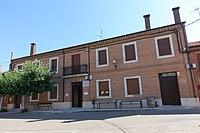 Ayuntamiento de Loma de Ucieza.jpg