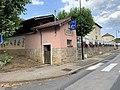 Bâtiment Toiletttes Publiques Route Dombes Savigneux Ain 3.jpg