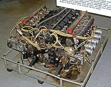 Un moteur à seize cylindres en H d'origine BRM.