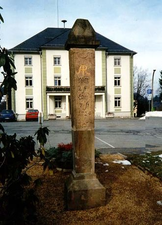 "Bad Elster - pillar ""Halbmeilensäule"" of 1724 nearby Kirchberg"