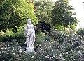 Bad Rorhenfelde, Figur im Park.JPG