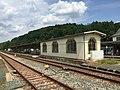 Bahnhof Adorf (Vogtl) Bahnsteige.jpg