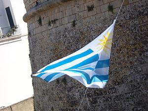 Flag of Uruguay - Image: Bandiera dell'Uruguay a Otranto