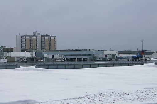 Bangor International Airport 1 (35145747821)