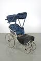 Barnvagn, snett framifrån m sufflett och regnskydd - Livrustkammaren - 5348.tif