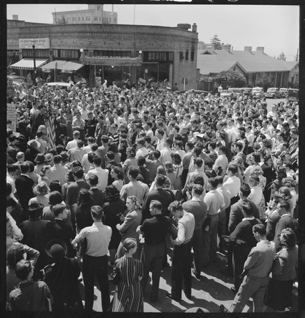 Berkeley students participate in a one-day peace strike opposing U.S. involvement in World War II on April 19, 1940 Berkeley, California. University of California Student Peace Strike. About half of the students assembled at the... - NARA - 532103.tif