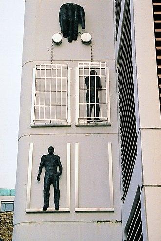 Moabit - Image: Berlin Jail Moabit Front Dec 2004b