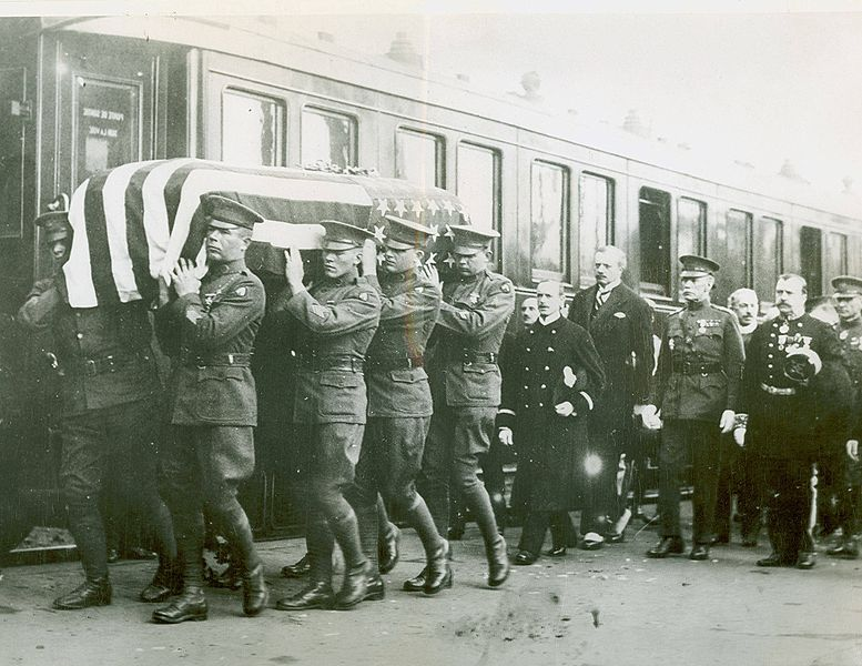 File:Body of the Unknown Soldier being loaded on a train in France.jpg