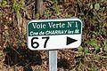 Borne Km67 Voie Verte Charnay Mâcon 3.jpg