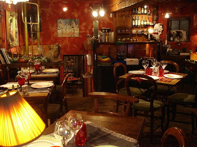 Restaurant Le Bouchon Du Chateau Mirebel