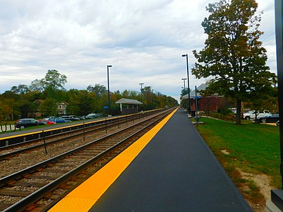 How to get to Braeside Metra with public transit - About the place