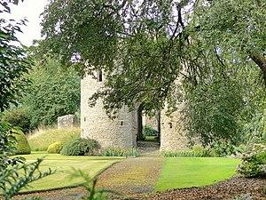Brampton Bryan Castle - Image: Brampton Bryan gatehouse