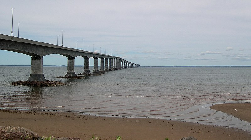 Archivo:Bridge to PEI.jpg