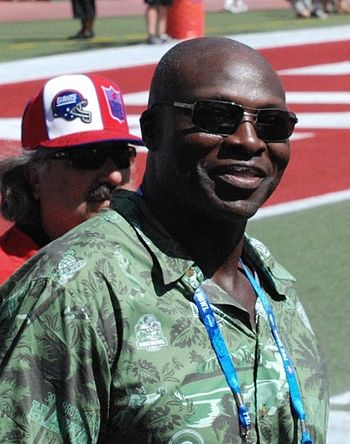 Bruce Smith at the 2009 NFL Pro Bowl.