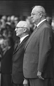 Bundesarchiv Bild 183-1987-0907-017, Bonn, Besuch Erich Honecker, mit Helmut Kohl