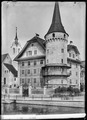 CH-NB - Luzern, Haus zur Gilgen mit Bagharzturm, vue d'ensemble - Collection Max van Berchem - EAD-6745.tif