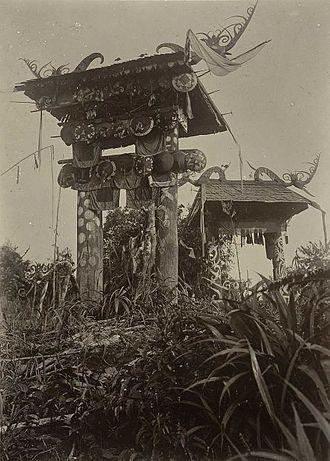 Kenyah people - Kenyah architecture, circa 1898-1900.
