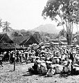 COLLECTIE TROPENMUSEUM Markt in Makale Zuid-Sulawesi TMnr 10002521.jpg