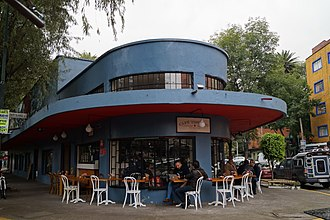 Michoacán Market - Food stand and Functionalist style building.